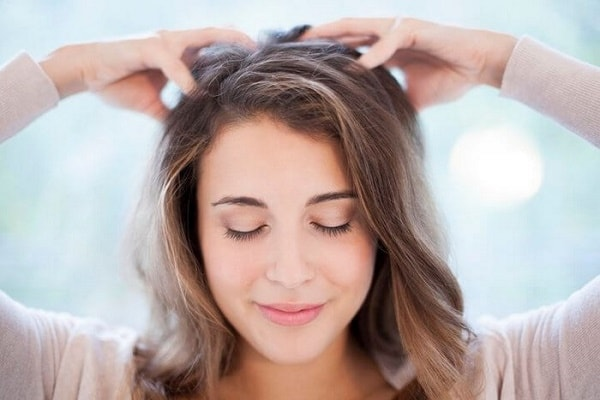Cách massage đầu giảm đau và xua tan căng thẳng